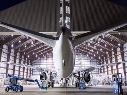 AAR, United Airlines ink multi-year deal for maintenance services in Rockford