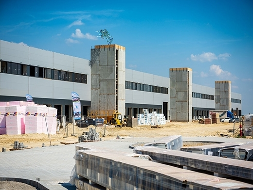 Construction milestone for Budapest Airport's new freight terminal