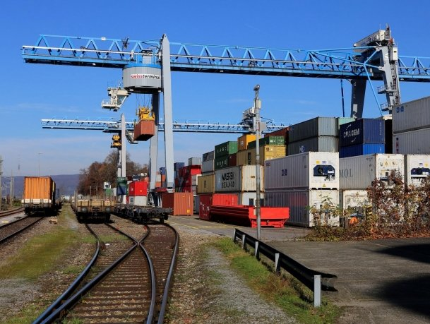 DP World buys 44% stake in Swissterminal Holding