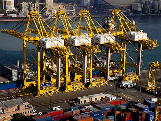 DP World invests over $1 billion to diversify its supply chain business
