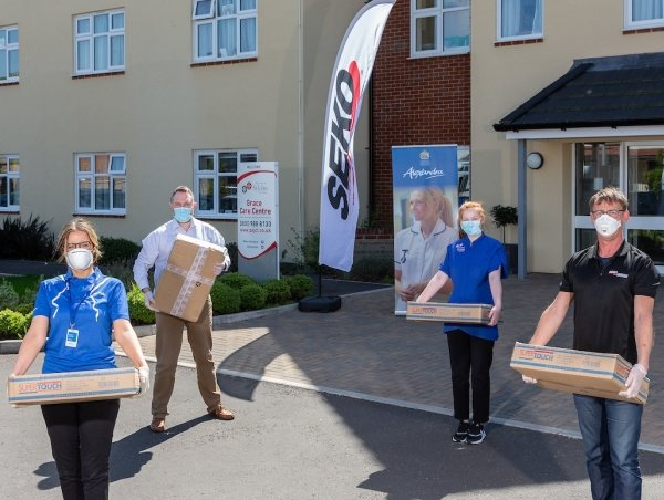 Alexandra, SEKO support PPE donation to British care home