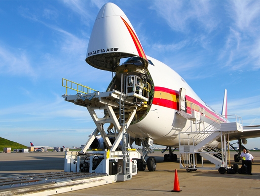 Kalitta Air takes delivery of leased 747-400F Factory Freighter from GECAS