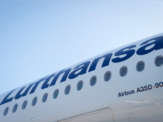 Lufthansa takes delivery of its first A350 aircraft