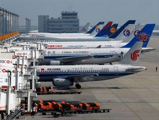 US bans Chinese passenger carriers flying to/from US
