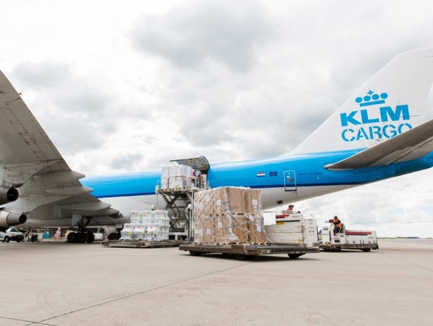 Air France KLM lands in Amsterdam with fresh Chilean cherries