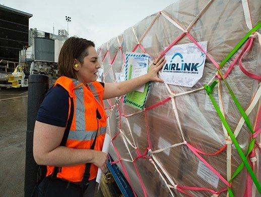 Airlink relief flight lands in Bahamas