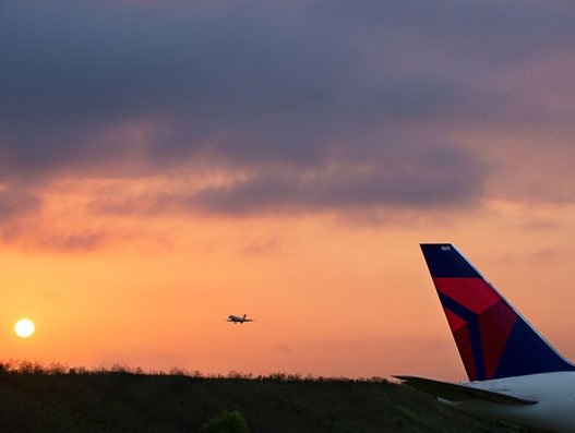 Delta changes travel waiver policies; extends flight credits