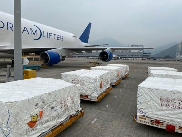 Boeing Dreamlifter delivers 1.5 million face masks to US