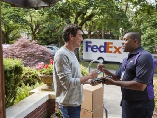 FedEx targets record volume package deliveries on Cyber Monday