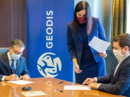 GEODIS completes its acquisition of PEKAES in Poland