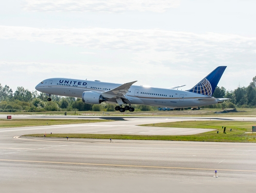 United Airlines links Los Angeles and Singapore with a new nonstop service