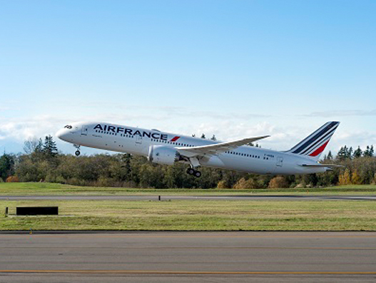 Air France takes delivery of first B787 Dreamliner