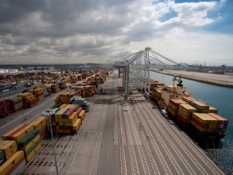 Cargo volume continues to surge at Port of Long Beach in July