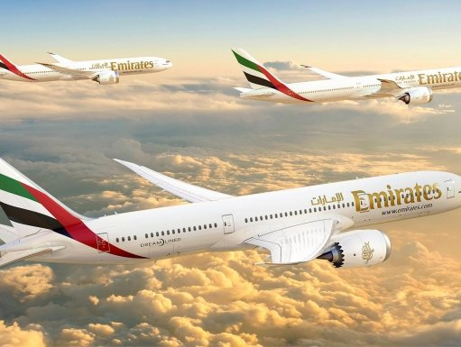 Emirates orders 30 Boeing 787-9 Dreamliner airplanes at Dubai Airshow