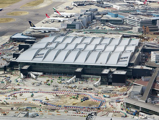 Heathrow Airport prunes airport charge by 50 percent for UK fliers