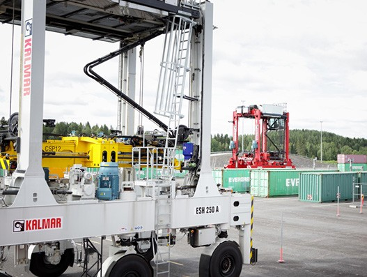 Kalmar enters into trailer maintenance and repair contract with PSA