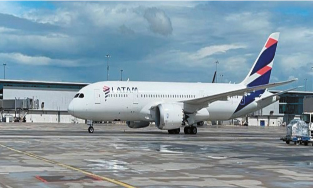 LATAM signs a new cargo contract with WFS in Spain