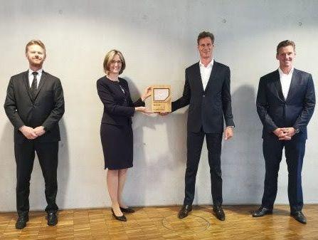 Lufthansa Cargo, DB Schenker mark partnership with an award