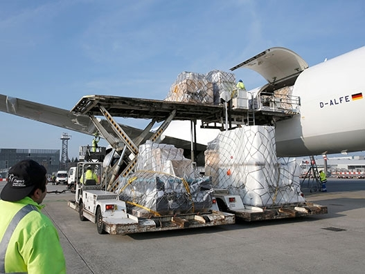 Lufthansa Cargo the first airline to support the electronic dangerous goods declaration standard