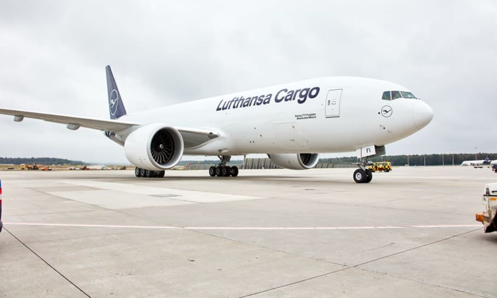 Lufthansa Cargo offers CO2-neutral freight shipments