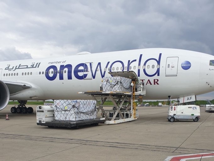 Qatar delivers vaccines using SkyCell containers to India