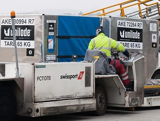 Swissport warehouses powered with Bluetooth sensors for global ULD tracking
