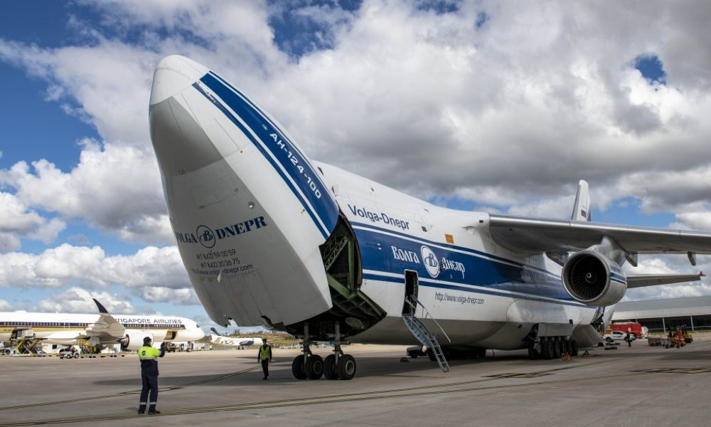 Chapman Freeborn Australia charters AN124 to deliver helicopters in Greece