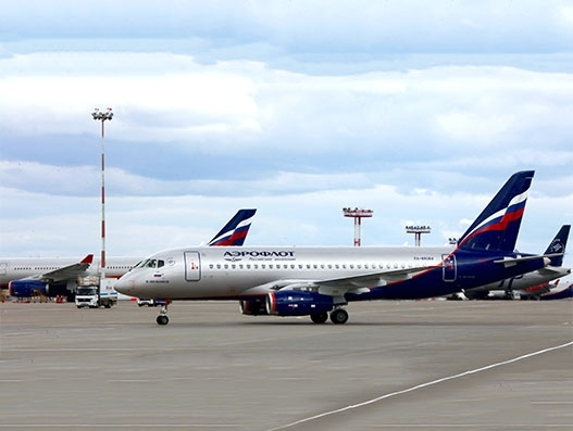 Aeroflot signs up for 100 Russian-built Superjets