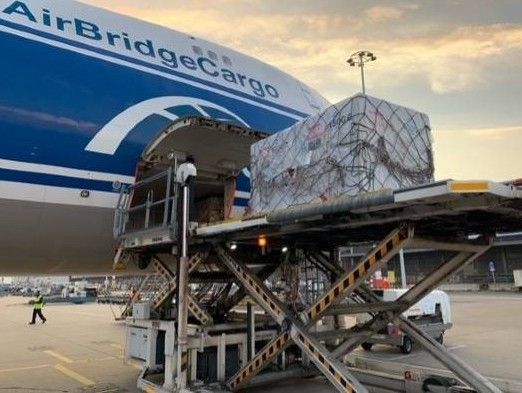 ABC Airlines organises round-trip with 12 SkyCell containers for vaccine transportation
