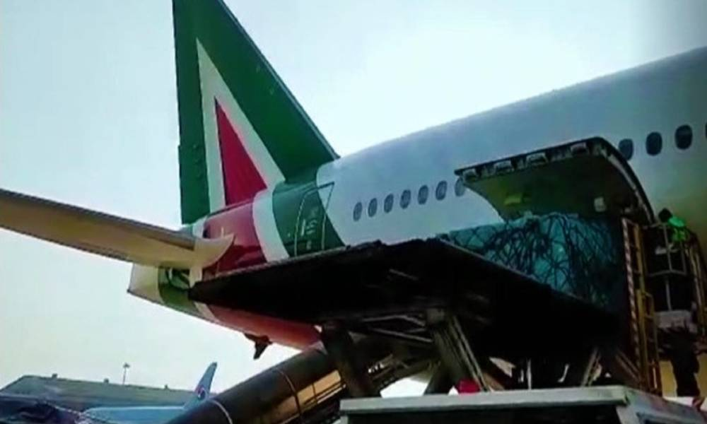 Alitalia Cargo, Air Logistics Group uplift record 58 tonne cargo from Delhi to Rome