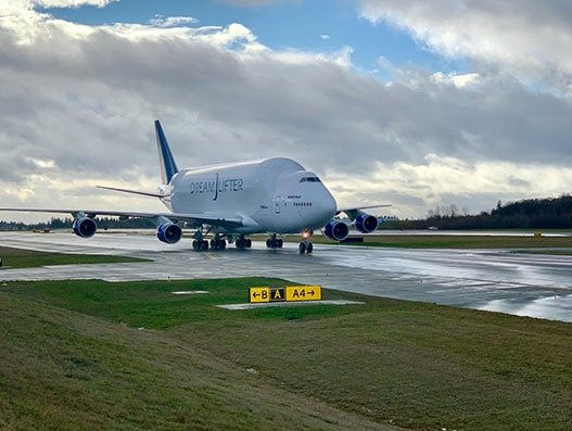 Boeing offers Dreamlifter to carry critical shipments