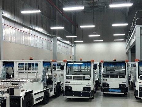 Bolloré Logistics moves electric baggage tractors for TCR Middle East