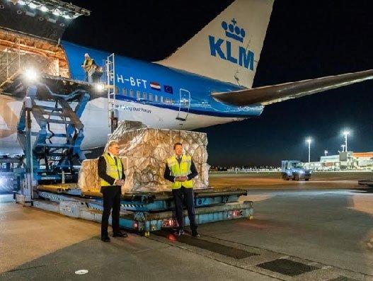 KLM and VWS expand China, Netherlands airbridge