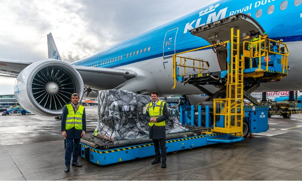 KLM, Dutch Ministry of Health, Welfare and Sport transport Covid-19 vaccines to Bonaire, Aruba