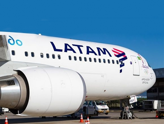 LATAM Airlines renews contract with Banco Santander-Chile