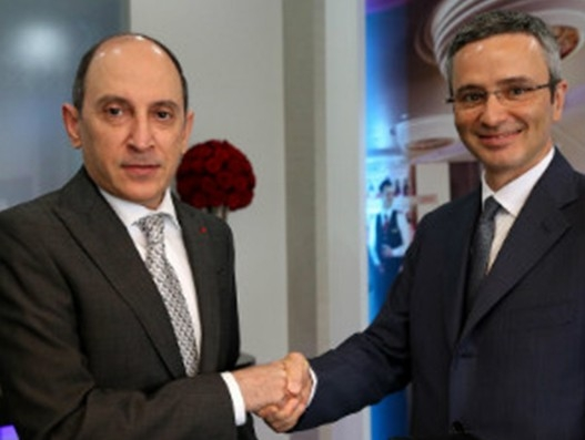 Qatar Airways buys 49% stake in Italy's Meridiana