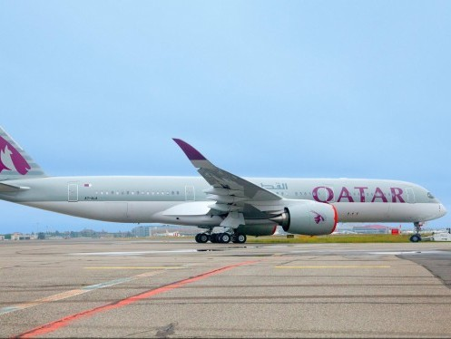 Qatar Airways defers delivery of Airbus aircraft, in talks with Boeing