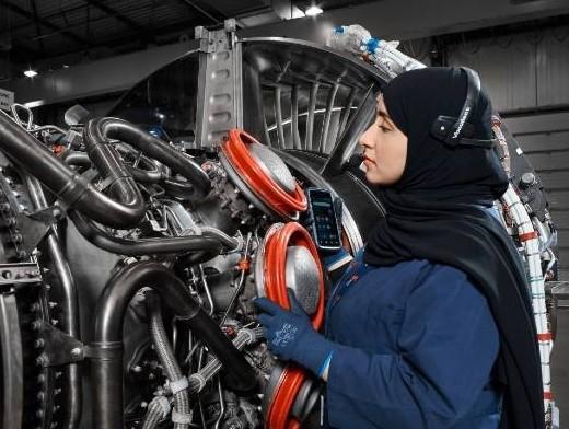 Sanad signs one billion dirham agreement with Pratt & Whitney, IAE