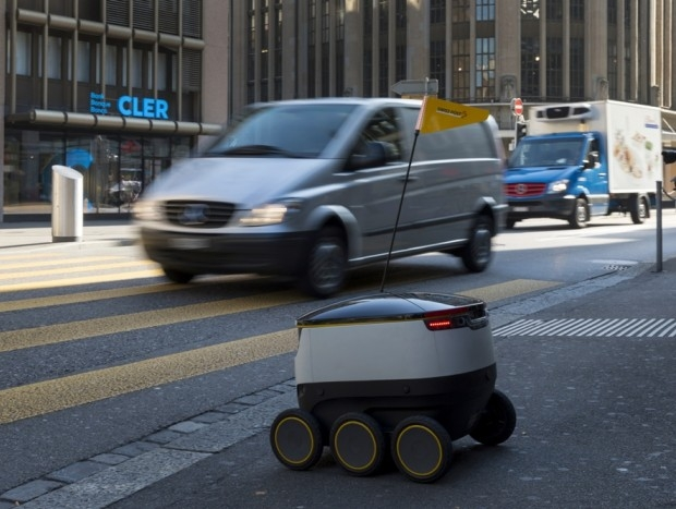 Swiss Post to tests its delivery robots at further locations in Switzerland