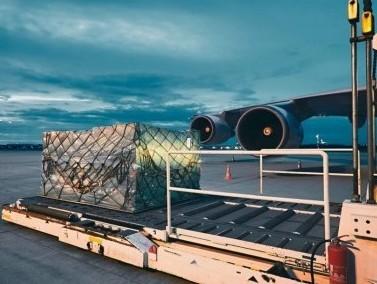 Worldwide cargo volume decreases by 1% in the last week