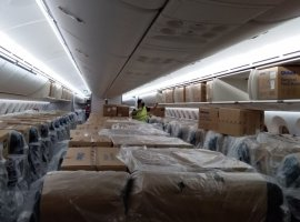LATAM Airlines Group's Boeing 787-9, chartered by the Ministry of Infrastructure, landed at Guarulhos International Airport on May 6, carrying 2,200 boxes of three-layer surgical masks, totalling 4.4 million units.
