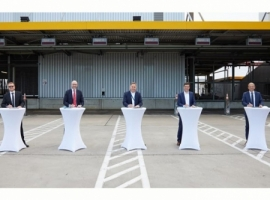 Lufthansa Cargo modernizes the Road Feeder Services high-rack storage system as a part of its infrastructure program at the Frankfurt. Vollert Anlagenbau and Körber recently won the procurement procedure and will carry out the modernization of the RFS stacker's mechanical, control and IT systems in the future.