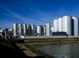 The Dekker Group has announced its intention to expand in the port of Rotterdam