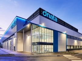 Particularly well-situated for ease of airfield access, dnata's purpose-built on-airport facility includes 125,000 sq ft warehouse space and is capable of processing in excess of 150,000 tonnes of cargo annually.