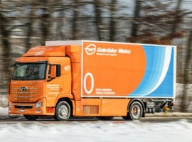 The Hyundai XCIENT Fuel Cell model delivered to the Altenrhein branch in Switzerland runs on green hydrogen, meaning that this commercial vehicle is able to save around 80 tonnes of CO2 emissions per year.