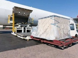 Air cargo capacity keeps recovering, although at a slow pace, going from -26 per cent a month ago to -22 per cent for the previous two weeks.