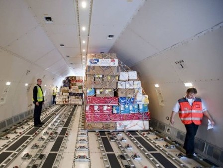 Will air cargo be able to balance its space for flowers this season?