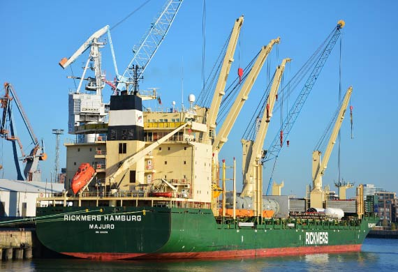 Port of Hamburg Staying on course