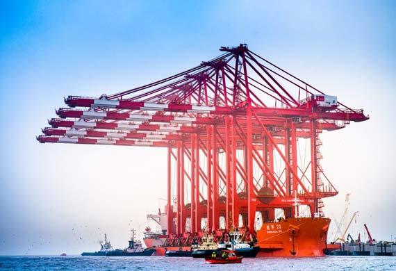 Ship-to-shore cranes arrive in Mersey